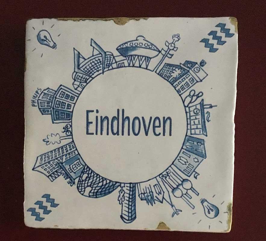 Miriam Beurskens - tegeltje skyline Eindhoven